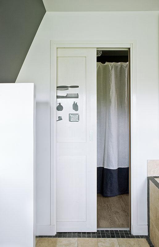 Détails Pochoirs, rideaux en lin, salle de bains n4 Maison de famille BBC sur mesure BURO2DECO CABOURG TRILLARD 090040