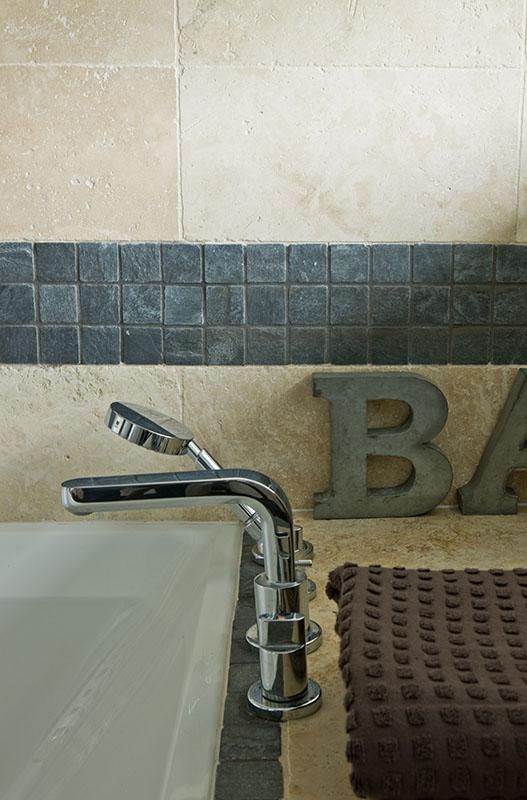 Pierre et mosaique ardoise, salle de bains n4 Maison de famille BBC sur mesure BURO2DECO CABOURG TRILLARD 090042