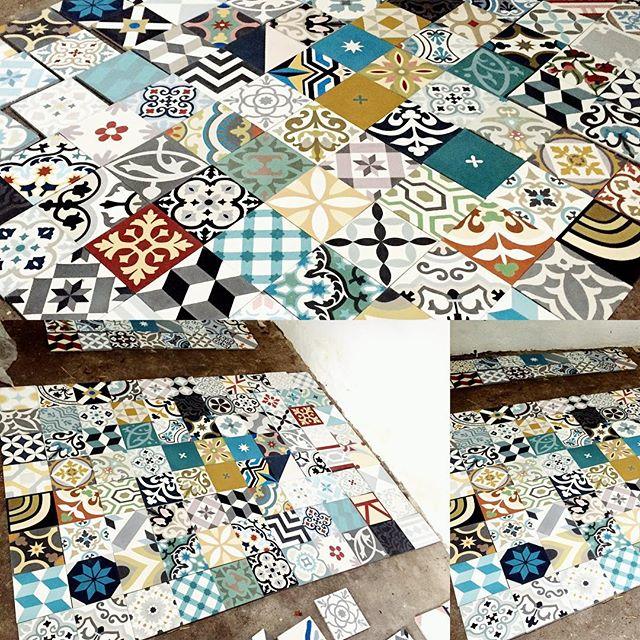#projetencours #calepinage #patchworktime #carreauxdeciment #salledebainsenfants #kidsbathroom #cimenttiles