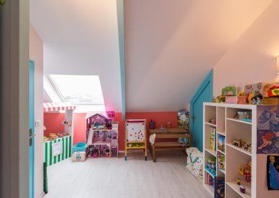 Un appartement familial en duplex aux couleurs Comics Arty : Aménagement et déco des chambres d'enfants, à Asnières-sur-Seine 02/Buro2Deco HomeInBox