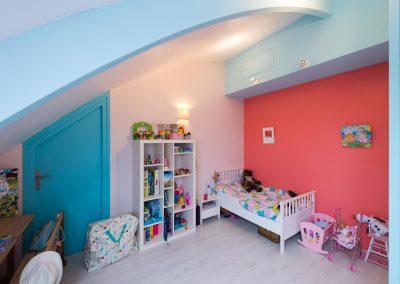 Un appartement familial en duplex aux couleurs Comics Arty : Aménagement et déco des chambres d'enfants, à Asnières-sur-Seine 03 /Buro2Deco HomeInBox