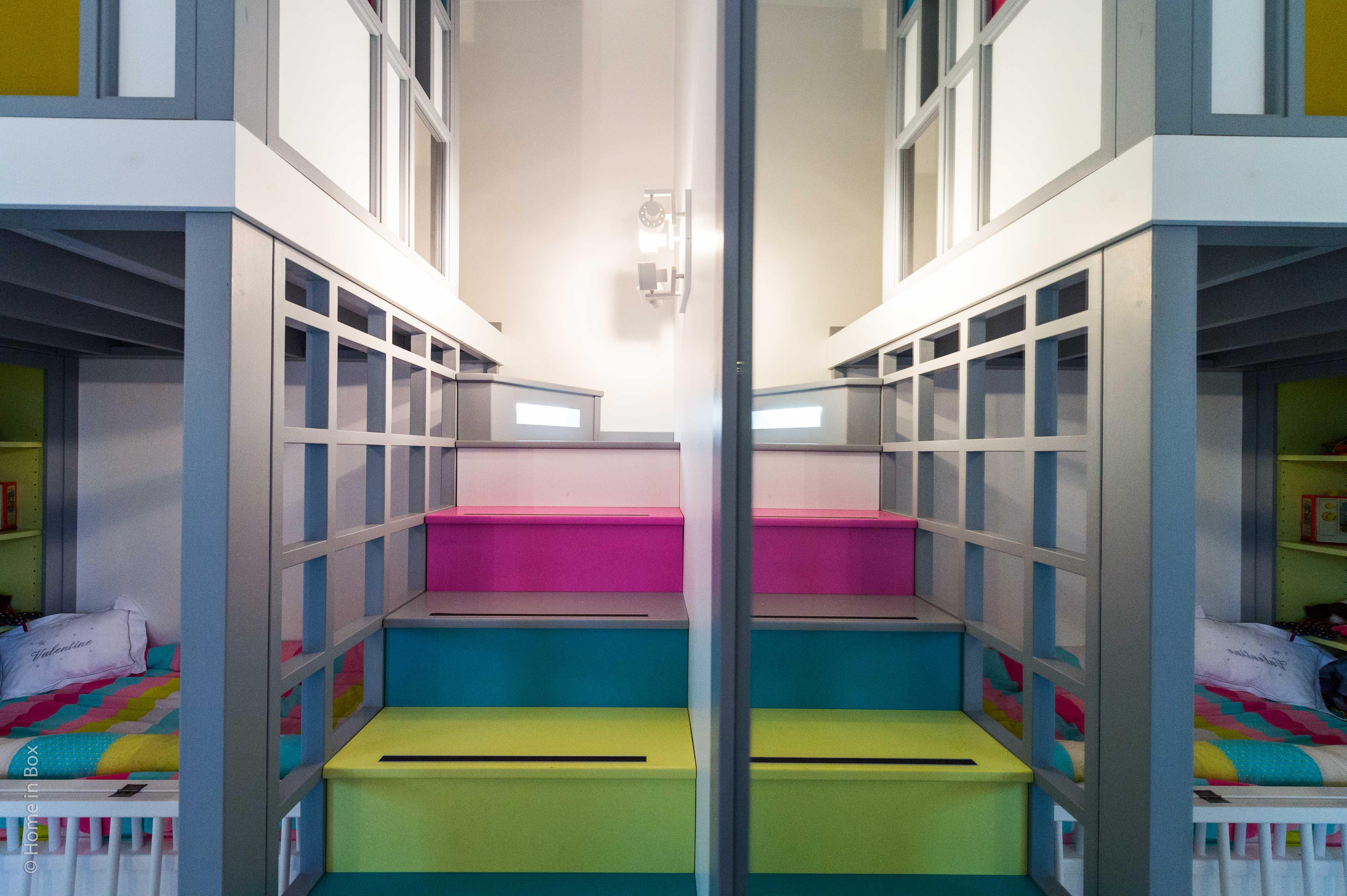 Un appartement familial en duplex aux couleurs Comics Arty, une mezzanine évolutive structure et optimise une chambre d'enfant  à Asnieres -sur-Seine / Buro2deco_HomeInBox_42