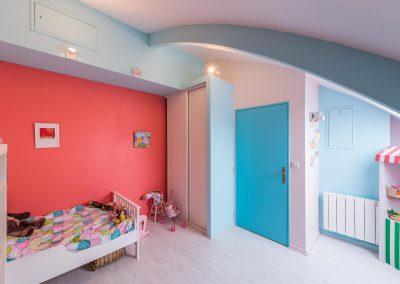 Un appartement en duplex aux couleurs Comics Arty : Aménagement et déco des chambres d'enfants, à Asnières-sur-Seine 01-Buro2Déco