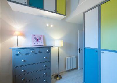 Un appartement familial en duplex aux couleurs Comics Arty,une mezzanine évolutive structure et optimise une chambre d'enfant  à Asnieres -sur-Seine / Buro2Deco  HomeInBox 58