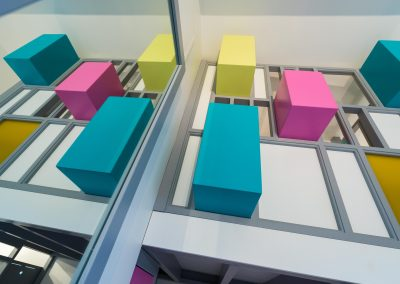 Un appartement familial en duplex aux couleurs Comics Arty,une mezzanine évolutive structure et optimise une chambre d'enfant  à Asnieres -sur-Seine / Buro2Deco  HomeInBox 59